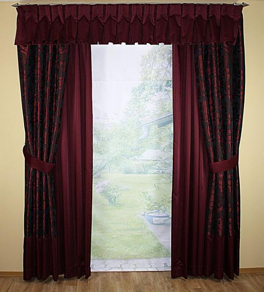 Fensterdeko mit 2 Schals und Querbehang in Dunkelrot